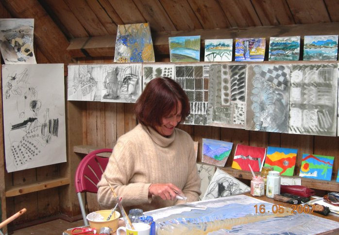 Colleen Olianti on painting course