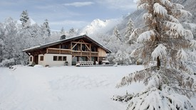 Chamonix: hotels and chalets.  Telegraph.